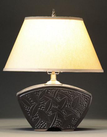 Black Keystone Lamp