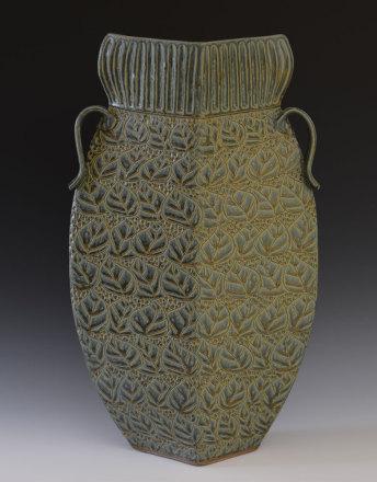 Collared vase