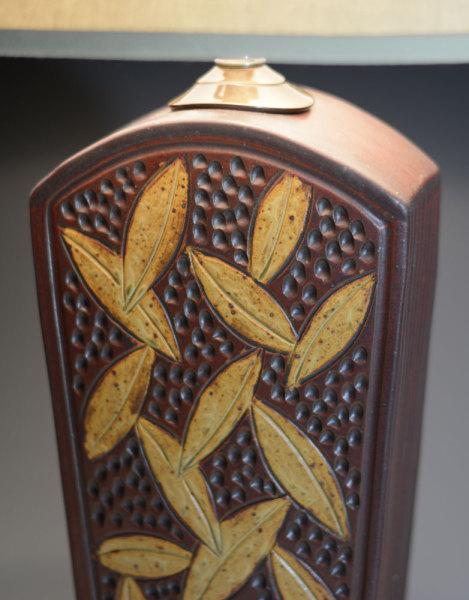 Tall Brick Keystone Lamp - detail