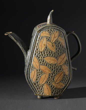 Sage Teapot with Leaves